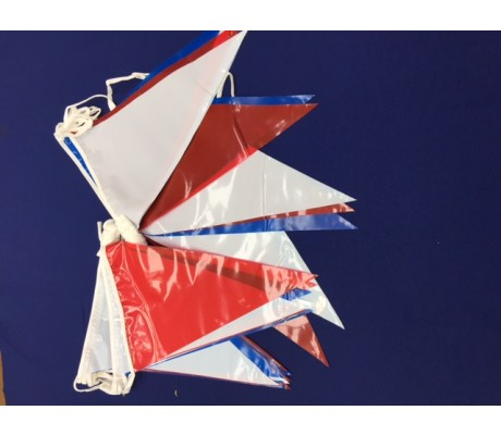 "Streamer : 10m line with 24 12""x8"" pvc pennants to a line"